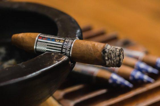 Above & Beyond — Blanco Cigars 4